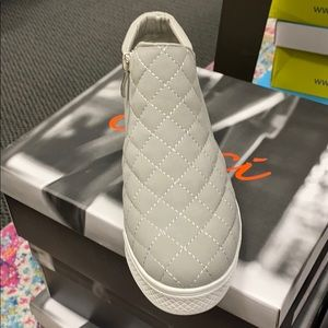 Piper gray wedge shoe